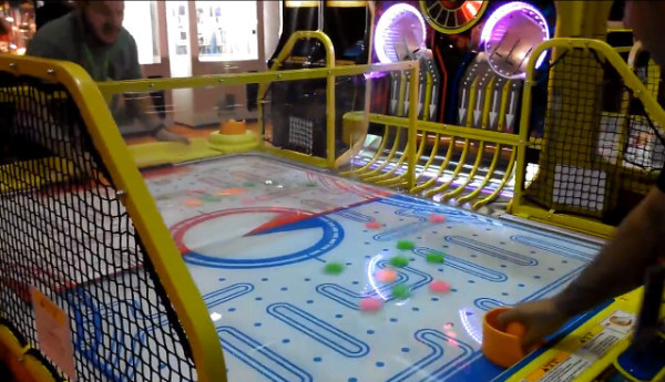 pac-man-air-hockey