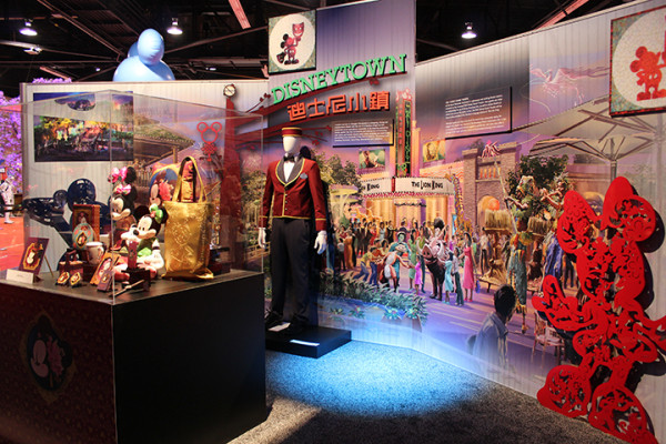 D23-Expo-Disneyland-Shanghai-Disneytown