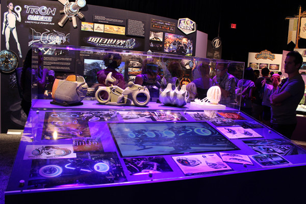 D23-Expo-Tomorrowland-2